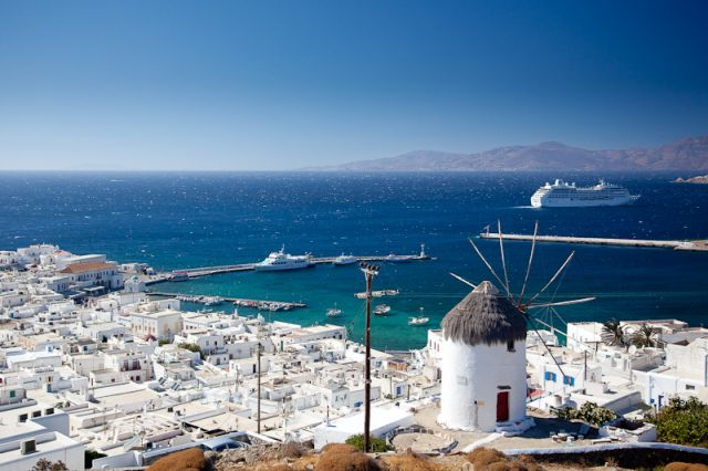 Autumn in Mykonos: Enjoy a holiday under the Greek sun