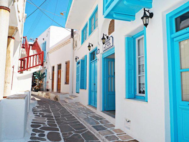 Matoyianni Street, True Miconian Style