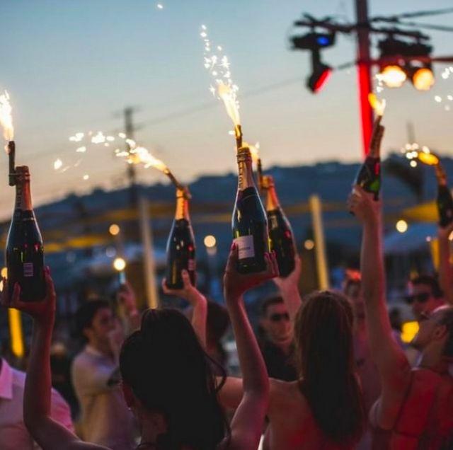 Experience luxurious summer bliss in Mykonos beach clubs